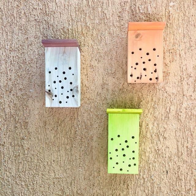 Insektenhotel in 3 Farben